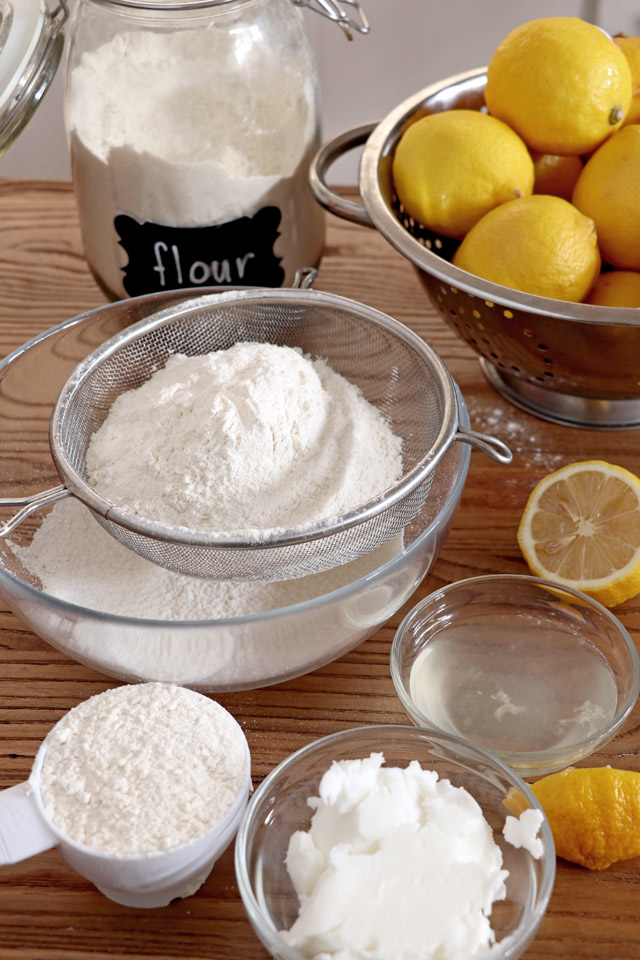 ingredients for flaky pie crust