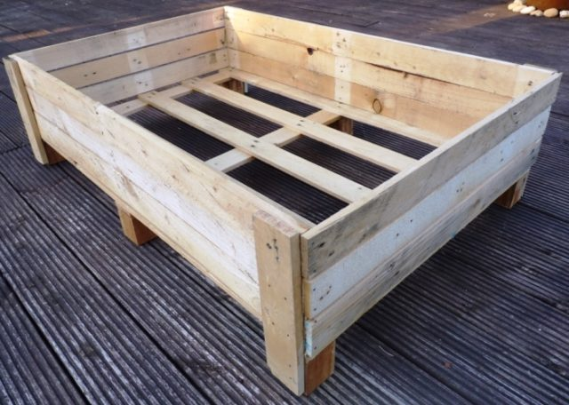 planter box - Container Gardening: DIY Planter Box From Pallets |