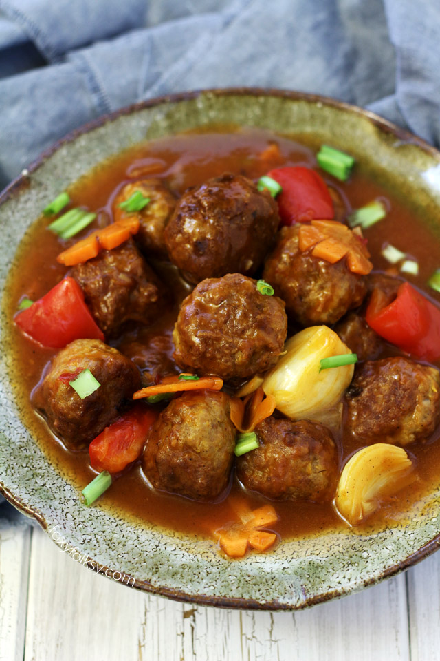 Get easy recipe for sweet and sour meatballs with the perfect balance of sweet and tangy! | www.foxyfolksy.com