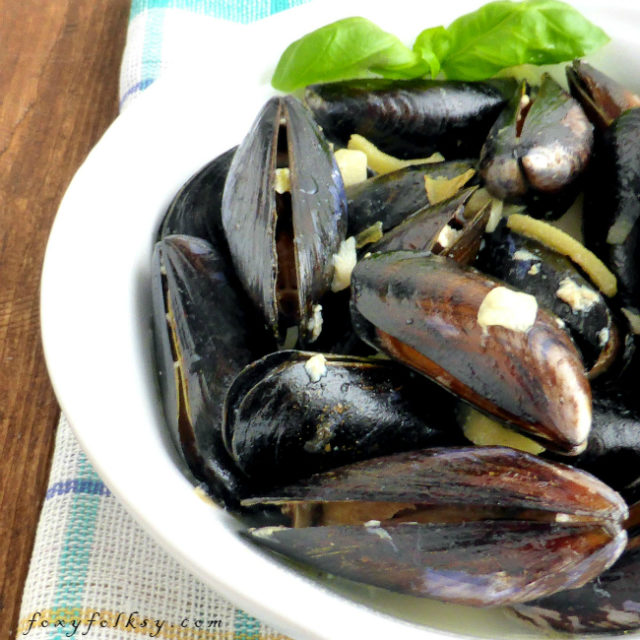mussels in white wine .1