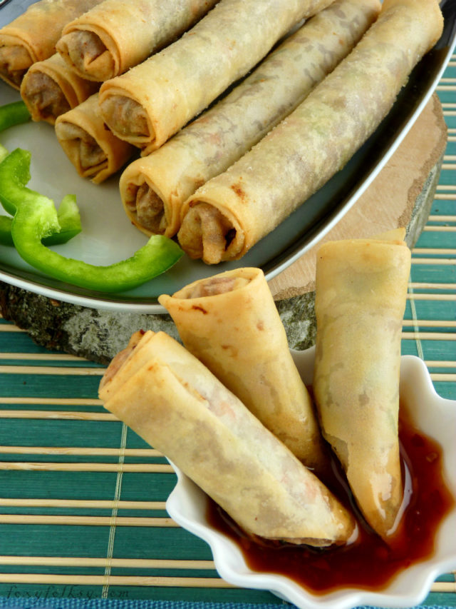 Lumpiang Shanghai is Filipino spring rolls. The main difference is that it has more meat than vegetables. Try this simple recipe for lumpiang shanghai now. | www.foxyfolksy.com