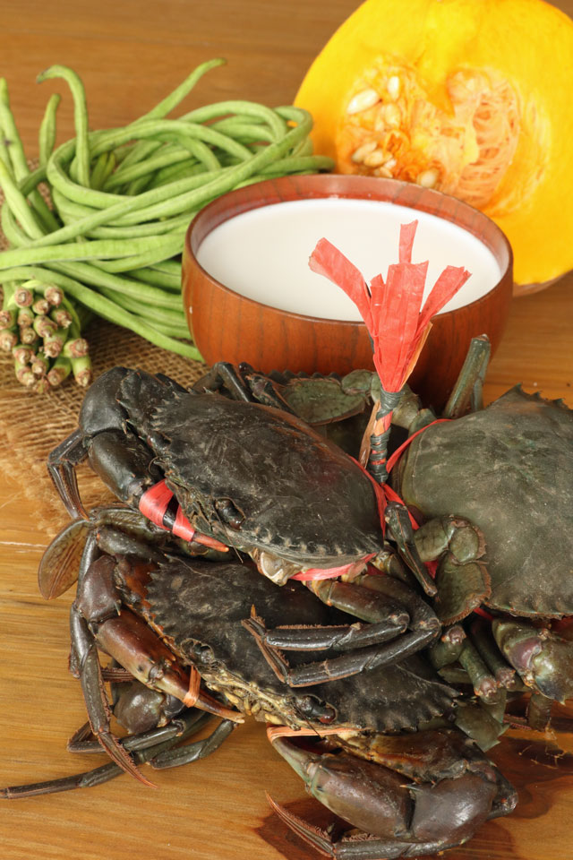 Ingedients for crab in coconut milk