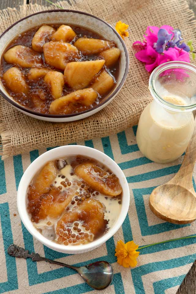 Banana plantain in caramel syrup with milk and ice