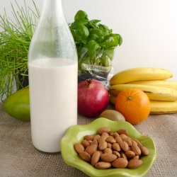 Homemade_almond_milk