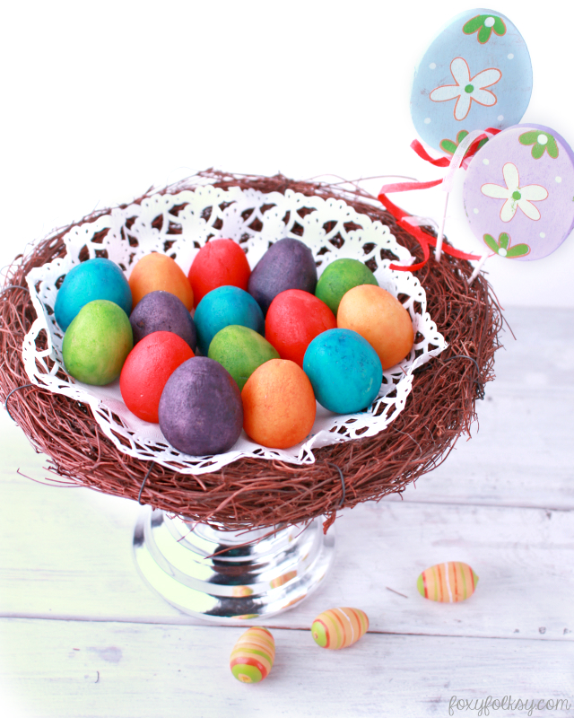 These Marzipan Easter Eggs are the perfect project to make with your kids as it is so easy and so much fun to do. Easy recipe for homemade marzipan is included. | www.foxyfolksy.com