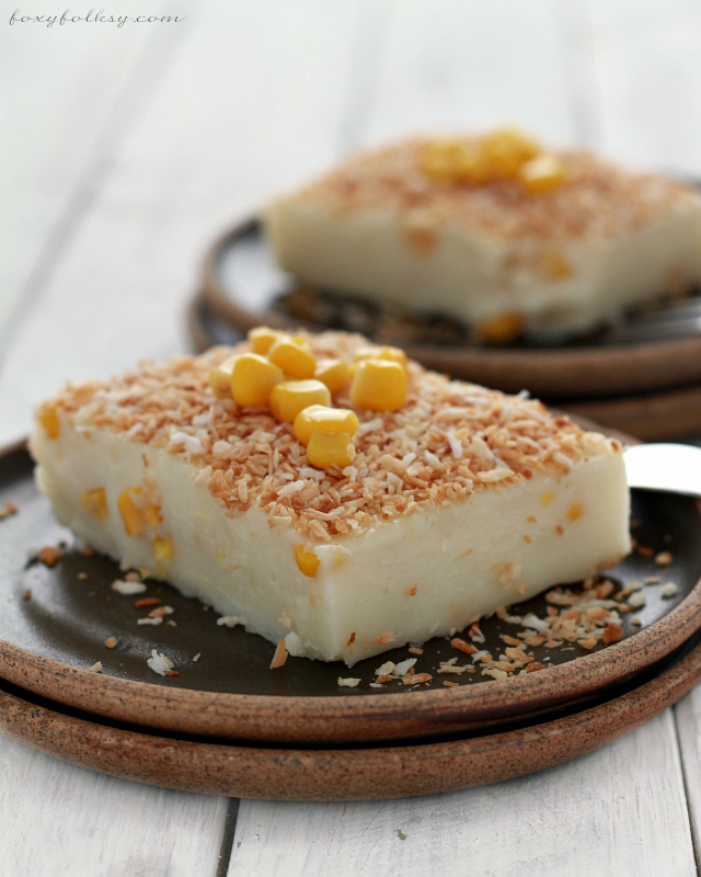 MAJA BLANCA (COCONUT MILK PUDDING) (Filipino Recipe) Light and soft, coconut pudding with corn kernel.| www.foxyfolksy.com