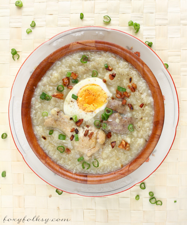 Try this simple recipe for Arroz Caldo, a Filipino rice porridge or congee, made with glutinous and chicken, flavored with ginger and other spices. | www.foxyfolksy.com