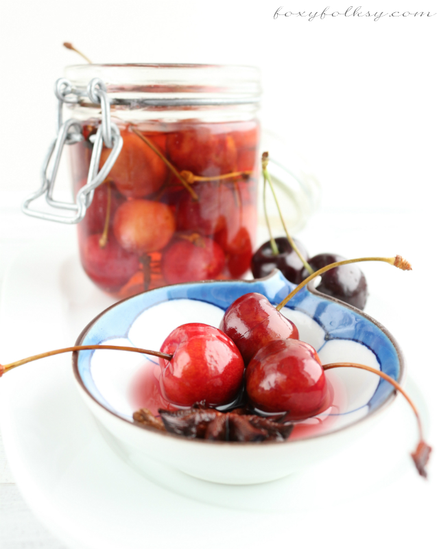 These pickled cherries are just simply and surprisingly amazing-sweet, tangy and perfectly spiced! The process and ingredients involved is really so simple. | www.foxyfolksy.com