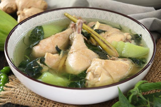 Chicken Tinola Recipe with lemongrass
