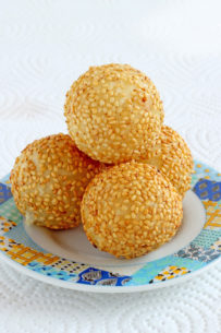 Buchi- Fried Sesame-covered Sticky Rice Balls With Red Bean Fillings