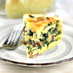 Easy Spinach Quiche with Bacon and Cheese