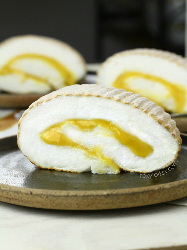 Learn the secret to get that perfect Brazo de Mercedes with meringue that has super fine foamy texture that easily melts in your mouth like magic! | wwwl.foxyfolksy.com