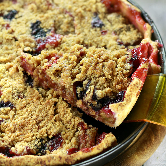 Rhubarb Pie with blueberries