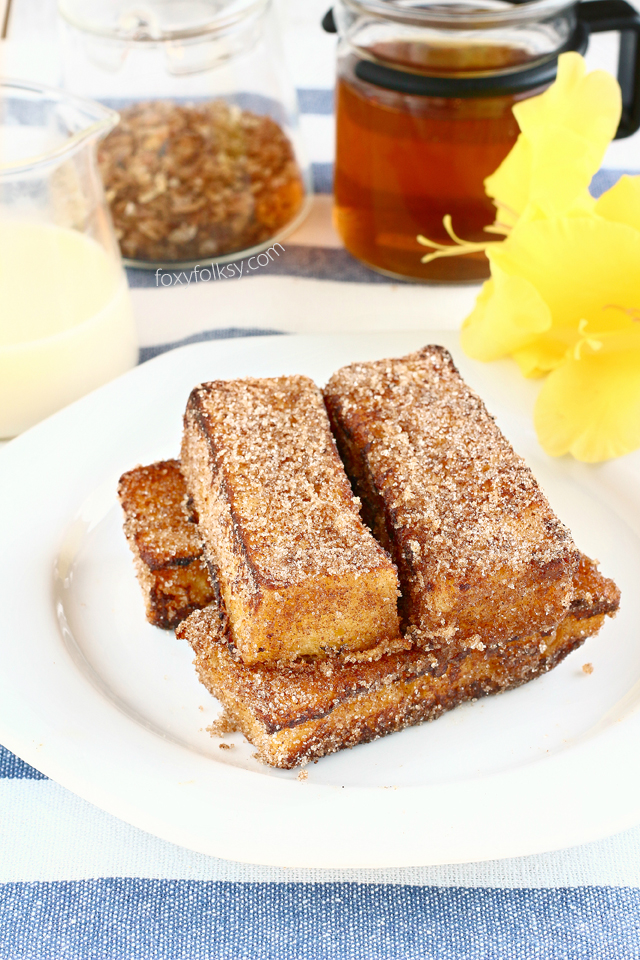 No more soggy french toasts! I am pretty sure you will love these yummy cinnamon french toast sticks! Quick and easy to make, perfect for breakfast! | www.foxyfolksy.com
