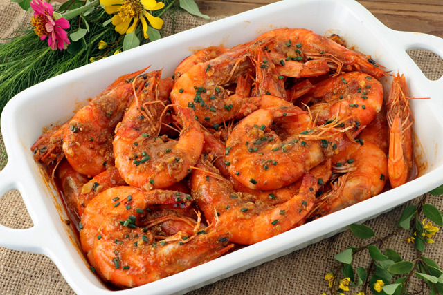 Shrimp cooked in garlic chili sauce