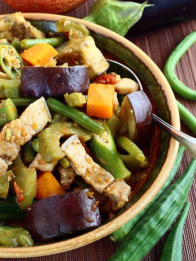Pinakbet foxy folksy try this easy recipe for pinakbet or pakbet a filipino vegetable dish that is flavorful forumfinder Choice Image