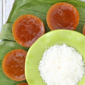 Kutsinta Is A Native Sweet Filipino Snack Traditionally Made From Sticky Rice. | Www.foxyfolksy.com