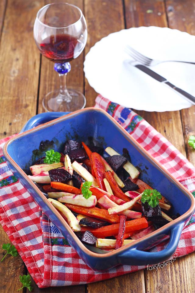 Try this roasted vegetable trio of beets, carrots and parsnips for a perfect side dish or it could also be a meal on its own. Healthy and yummy! | www.foxyfolksy.com