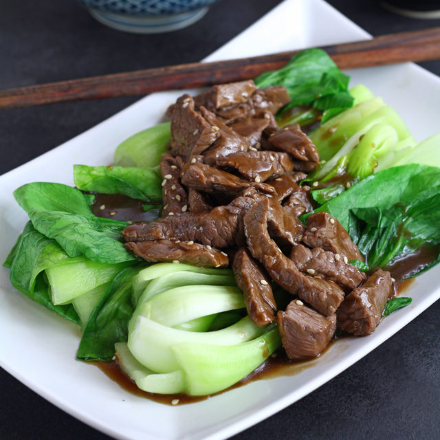 Beef Stir-fry with Oyster sauce and Pak Choi in 10 Minutes