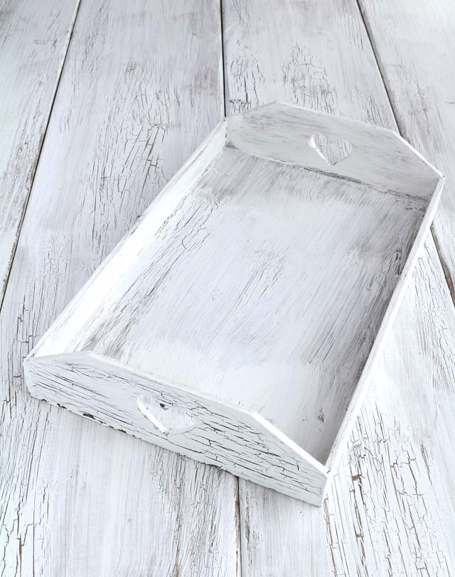 Crackle paint effect on wood to achieve that shabby chic look. | www.foxyfolksy.com