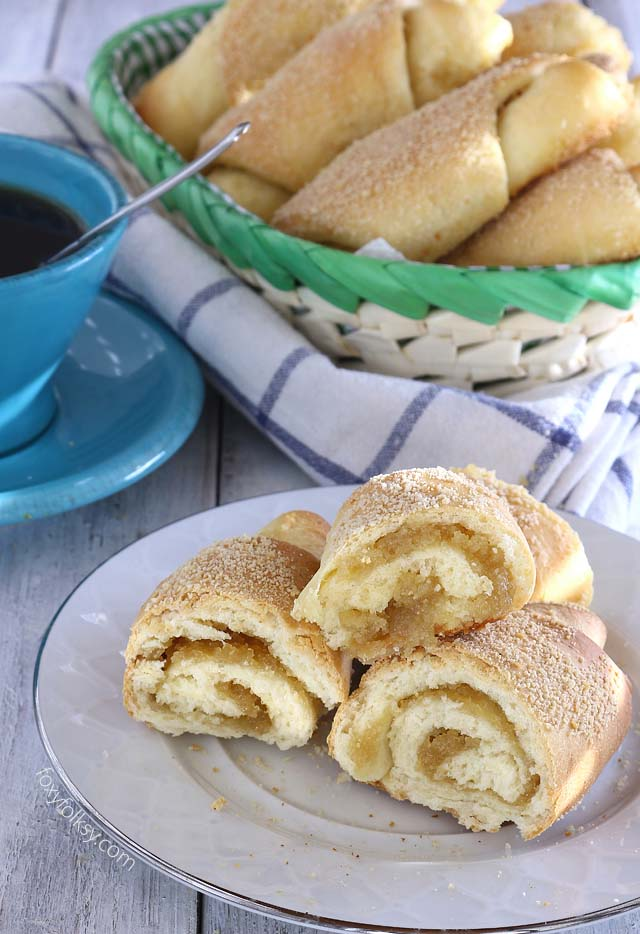Learn how to make this delicious Filipino Spanish bread for your afternoon snack. | www.foxyfolksy.com
