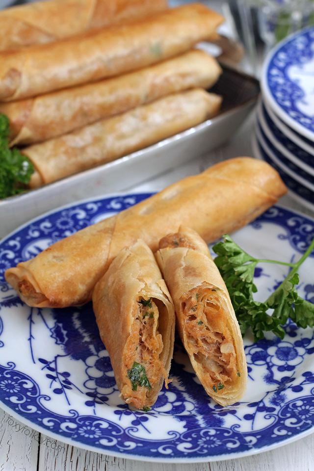 Try this yummylicious Cheesy Spicy Tuna Spring Rolls! | www.foxyfolksy.com