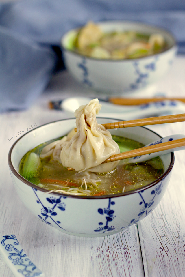 Try this easy recipe for wonton soup. A Chinese dumpling classic with pork and prawns! | www.foxyfolksy.com