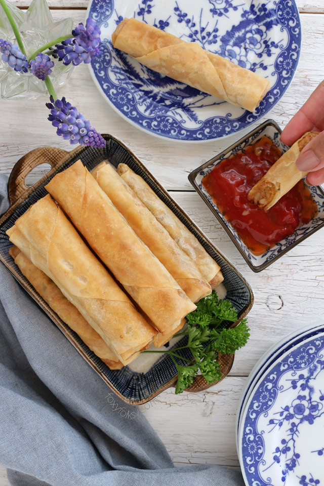 Try this yummylicious Cheesy Spicy Tuna Spring Rolls! | www.foxyfolksy.com