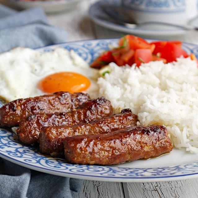 Get this easy Skinless Longanisa recipe here! | www.foxyfolksy.com