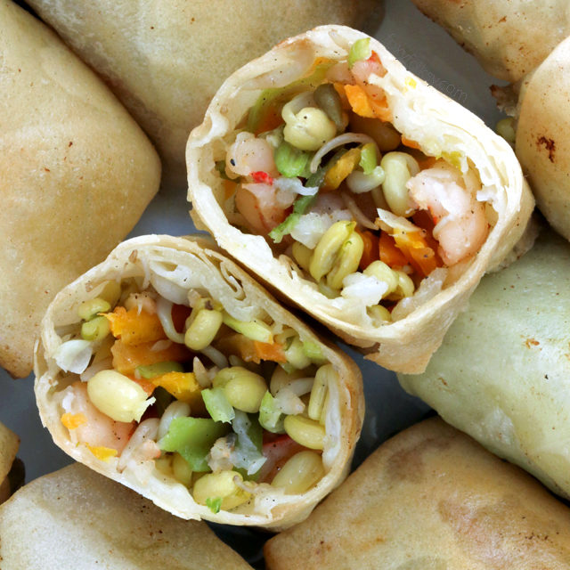 Lumpiang Togue (Mung Bean Sprouts Spring Rolls)