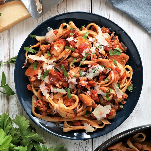 Seafood Pasta Linguine in Chunky Tomato Sauce