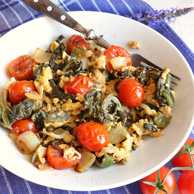 Sauteed Pickled Mustard Greens with Tomatoes and Egg