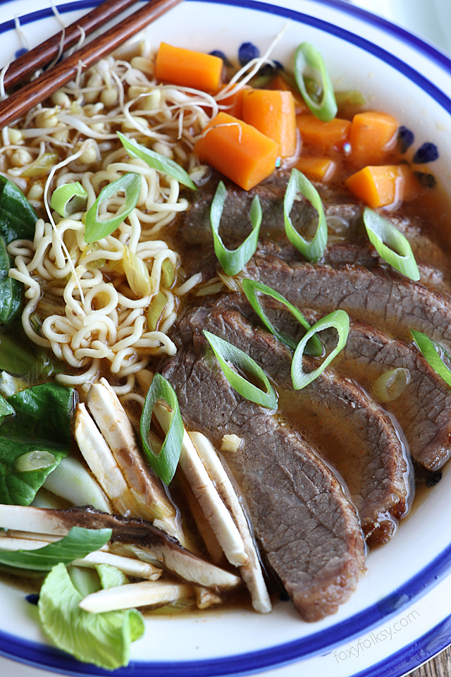 Get it while it's hot! This Spicy Beef Ramen is so good and really easy to make. | www.foxyfolksy.com