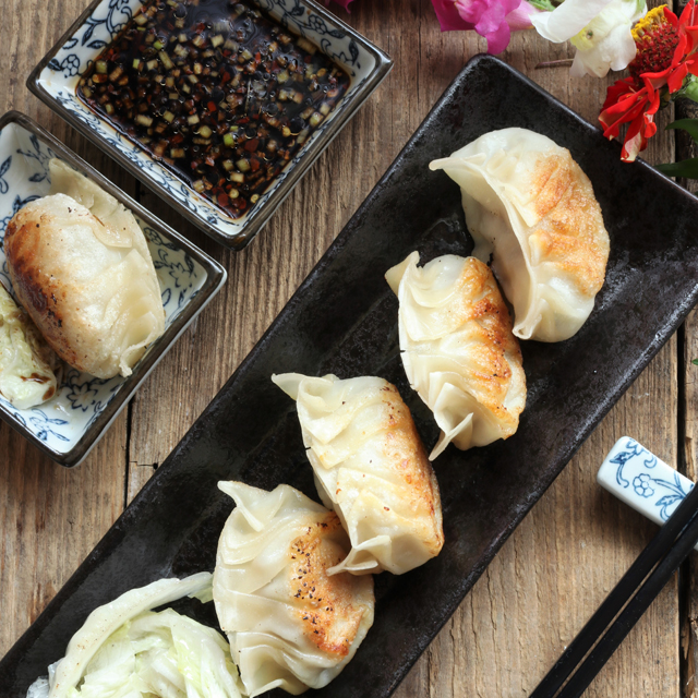 You Just Have To Try This Super Easy Gyoza Recipe That Includes A Simple But Flavorful Dipping Sauce. You Will Definitely Love It! Www.foxyfolksy.com