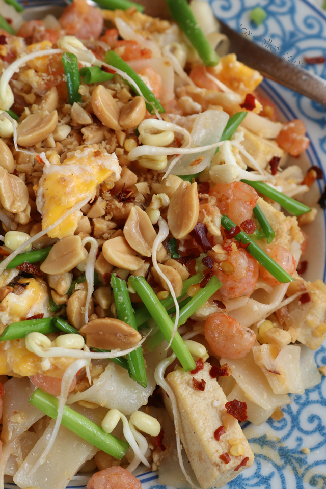 Try this easy Pad Thai recipe. Made from simple ingredients. A complete meal in one!   www.foxyfolksy.com