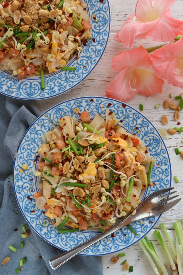 Try this easy Pad Thai recipe. Made from simple ingredients. A complete meal in one! | www.foxyfolksy.com