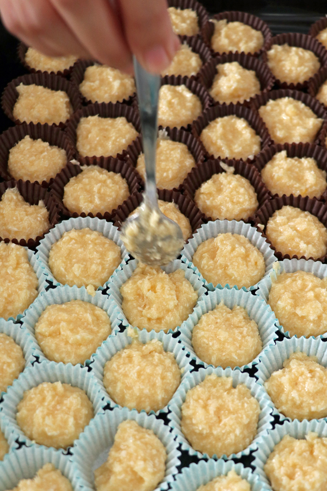 Try this Filipino version of coconut macaroons. Filipino coconut macaroons have a lighter or airy texture and are softer. Easy to make with simple ingredients. | www.foxyfolksy.com