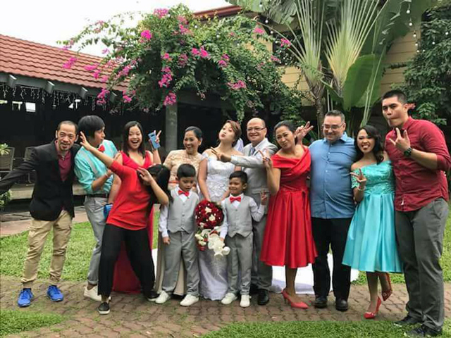 Extended Manaloto Family picture