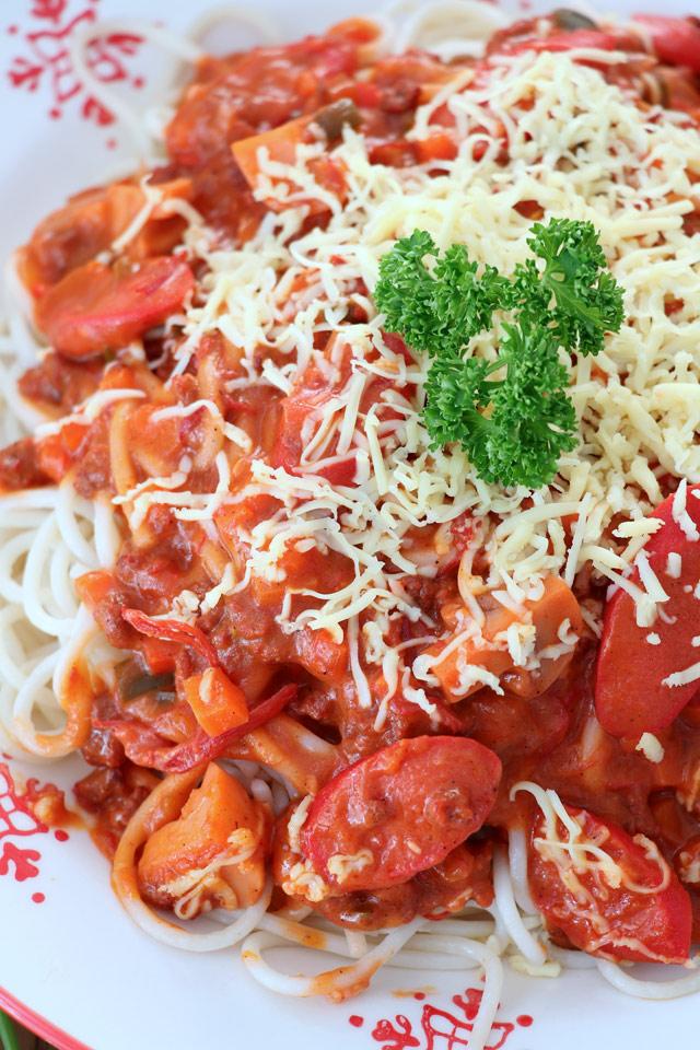 Filipino Spaghetti With Corned Beef Foxy Folksy