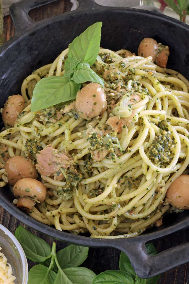 Pesto Pasta with Tuna and Mushrooms