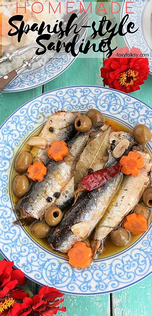 Make your own homemade Spanish Sardines with this super easy recipe. Store them in jars to give to your friends. | www.foxyfolksy.com #homemade #sardines #easyrecipe #fish #slowcook