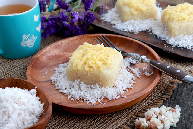 Nilupak na Cassava with grated coconut and cheese