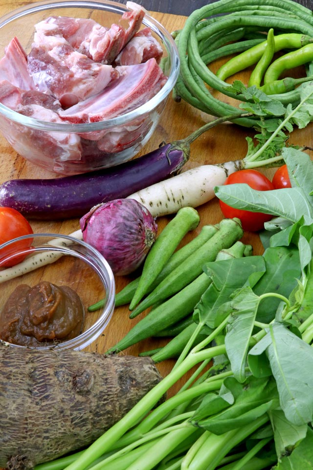 Ingredients for Sinigang na Baboy : pork, tamarind, gabi, okra, kangkong, tomato, sitaw