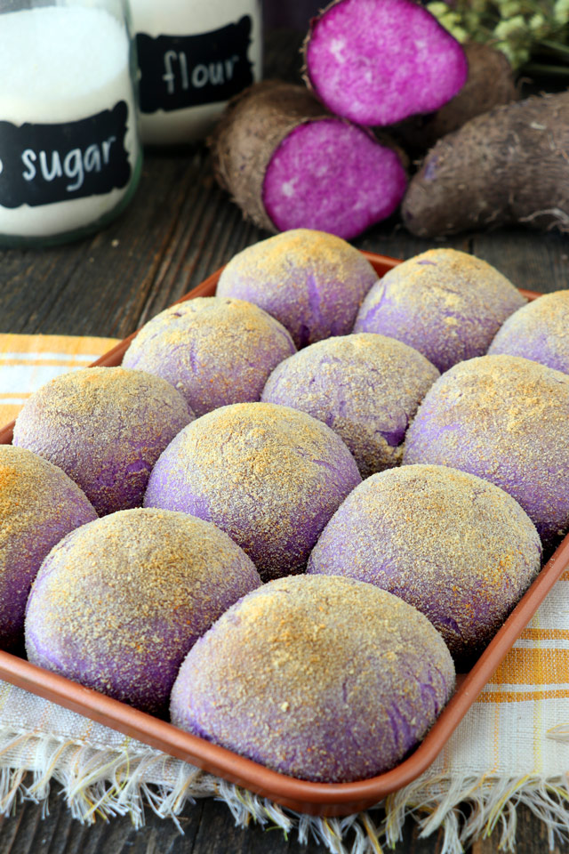 Pandesal made with purple yam