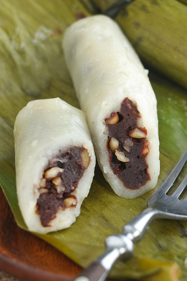 Sticky rice cake variant with chocolate.