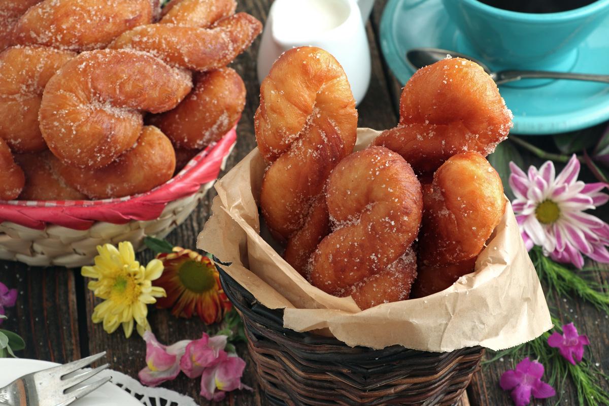 Crispy fried Twisted donuts
