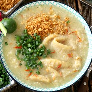 A bowl of goto or rice porridge with beef tripe.